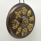 Gong dekorat�vny Osem ��astn�ch symbolov patinovan�